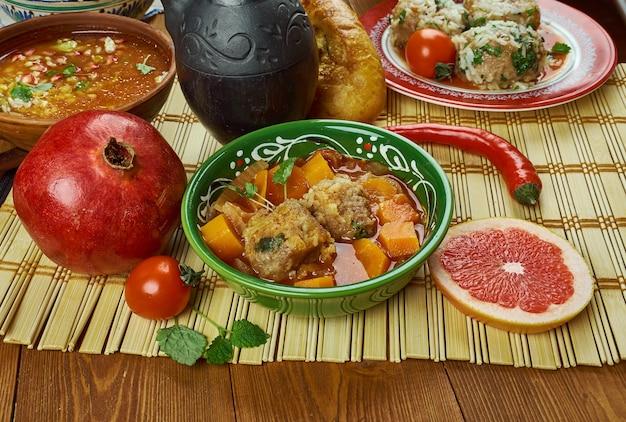 Kuchnia irańska - oshe anor, zupa z klopsikami,