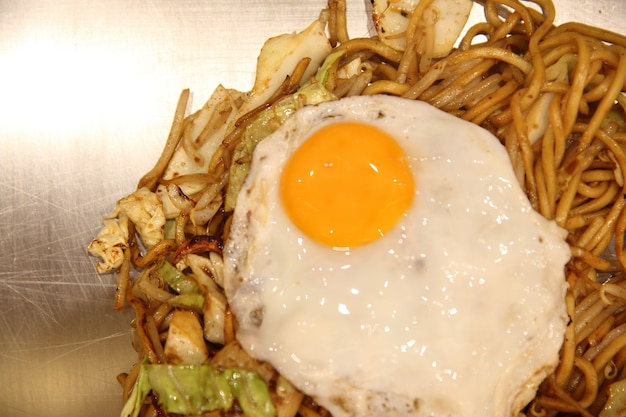 Kuchnia japońska, smażony makaron yakisoba