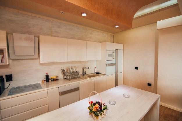 Kuchnia w mieszkaniu projekt pokoju kuchennego