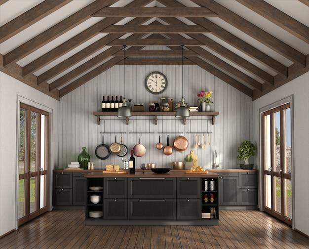 Kuchnia w stylu retro z wyspą w pokoju z drewnianymi więźbami dachowymi