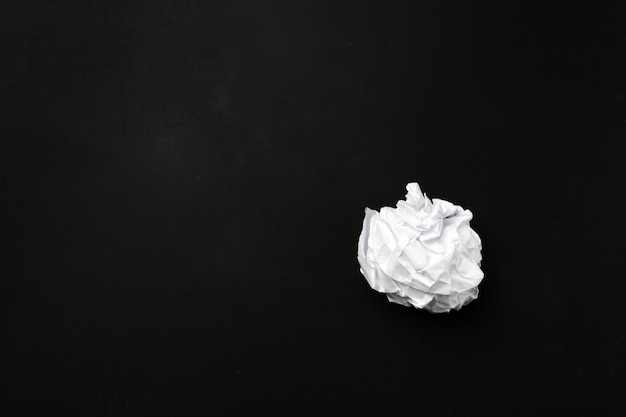 Kula białego papieru