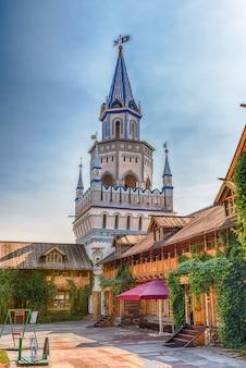 Kultowy kompleks izmailovskiy kreml w moskwie
