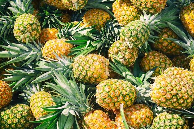 Kupie ananasy