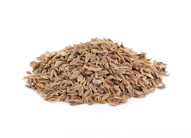 Kupie nasiona kminku samodzielnie na białym tle