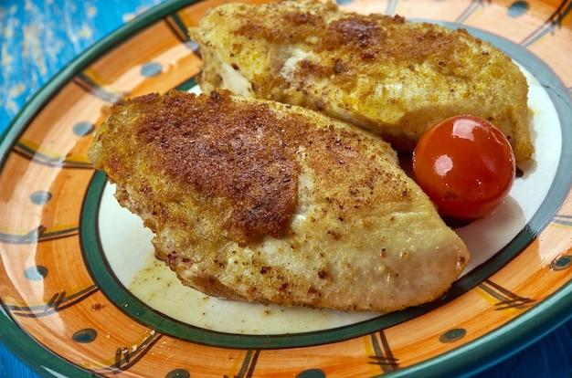 Kurczak z papryką andhra po indyjsku , kurczak marynowany z kolendrą i cytryną