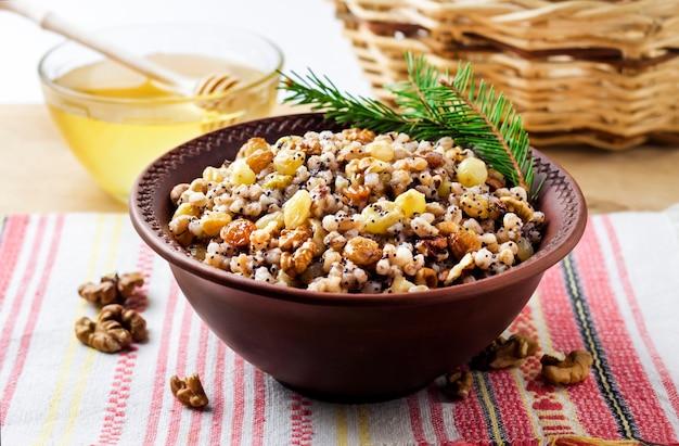 Kutya tradycyjne danie zbożowe wschodnich prawosławnych chrześcijan podczas świąt bożego narodzenia