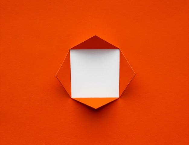 Kwadratowa rama wykonana z bujnego papieru lawowego. minimalna koncepcja. miejsce na tekst lub obraz.