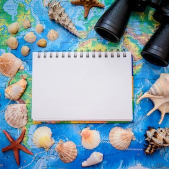 Kwadratowy obraz na temat wakacji i podróży po morzu