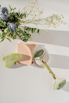 Kwarcowy wałek do twarzy do odmładzającego masażu twarzy, chińskie narzędzie kosmetyczne guasha.