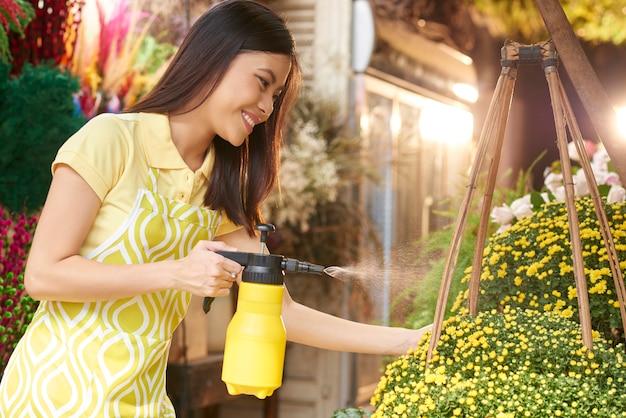Kwiaciarnia rozpylanie kwiatów