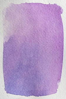 Kwiat jasnoróżowy, fioletowy, fioletowy, niebieski naturalny ręcznie rysowane streszczenie tło akwarela ramki. miejsce na tekst, litery, kopie. szablon pocztówki.