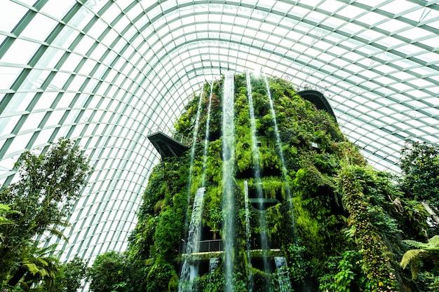 Kwiat kopuły ogród i cieplarnianych lasów dla podróży