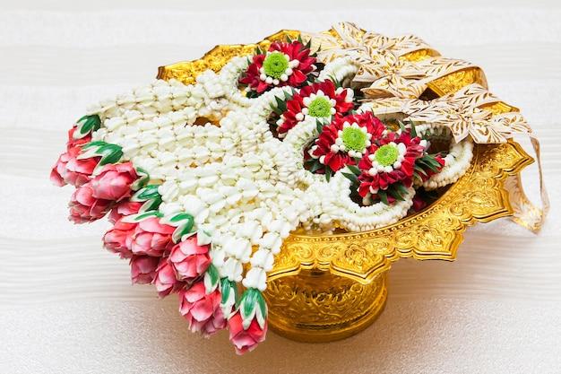 Kwiat w tajskim stylu tradycji. nazywa się