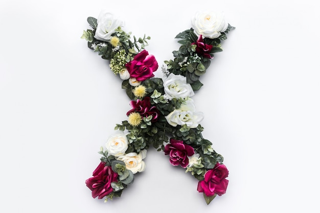 Kwiatowy monogram kwiatowy list x.