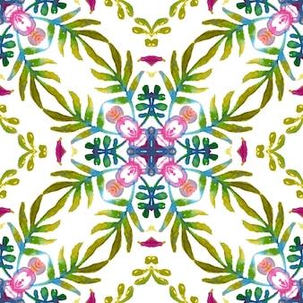 Kwiatowy wzór powierzchni z kolorowymi wiosenno-letnimi kwiatami i zielonymi liśćmi.