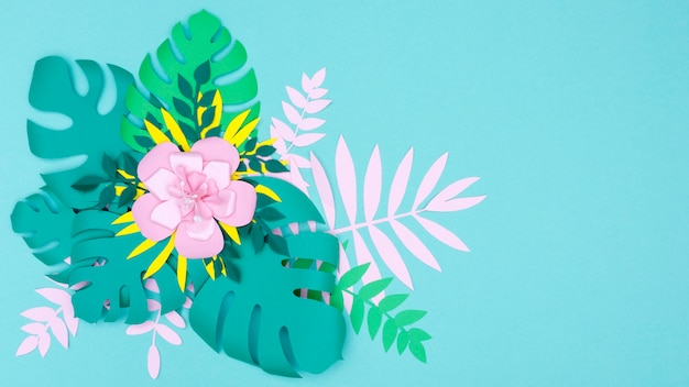 Kwiaty i liście wykonane z papieru