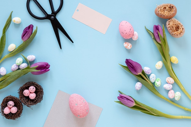 Kwiaty i pisanki na wielkanoc