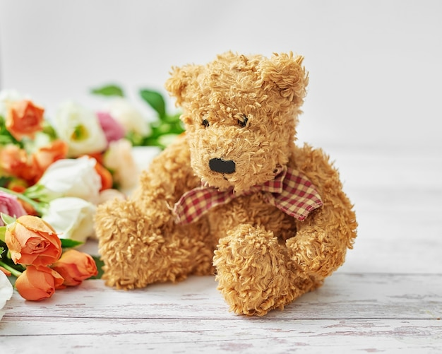 Kwiaty i prezenty na dzień kobiet.