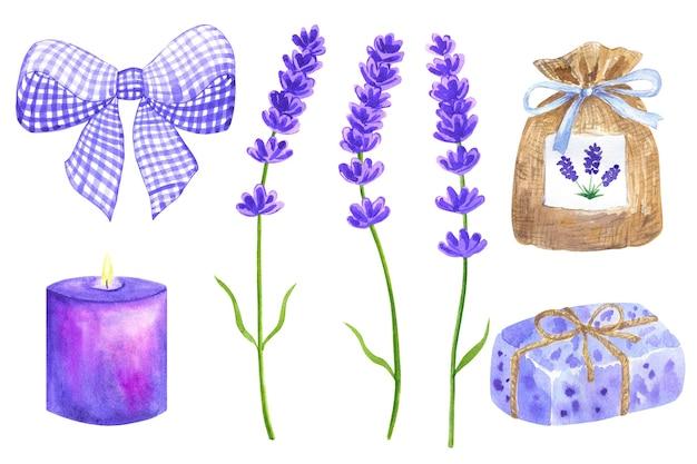 Kwiaty lawendy. elementy do projektowania prowansalskiego. fioletowa kokardka, saszetka, zawinięte mydło, płonąca świeca. ręcznie rysowane akwarela ilustracja. na białym tle.