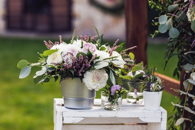 Kwiaty w wiadrze