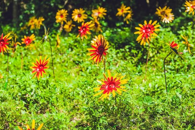 Kwiaty Wykonane Z Plastikowych Butelek Premium Zdjęcia