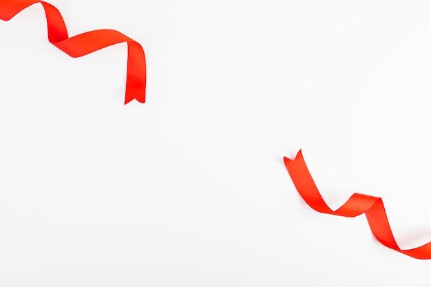 Lacerated czerwoną wstążką