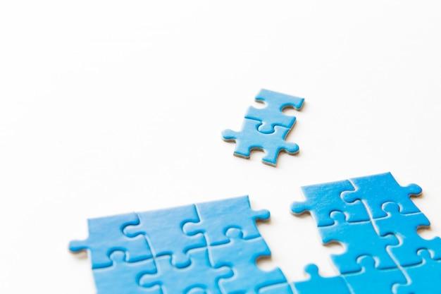 Łączenie układanki, biznes, sukces i strategia, edukacja, społeczeństwo i herbata
