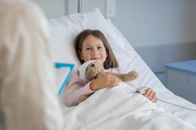 Ładna dziewczyna w szpitalu