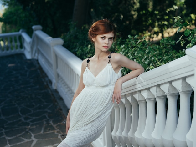 Ładna kobieta mitologia grecka dekoracja natura