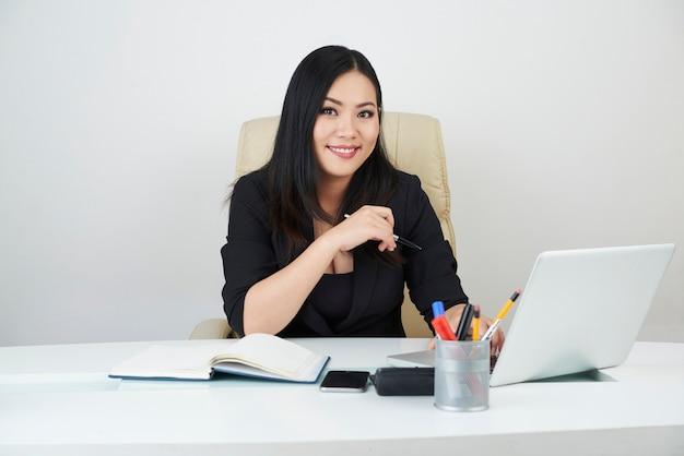 Ładna kobieta przedsiębiorca