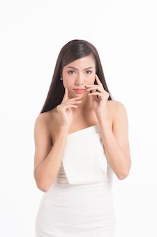 Ładny azjatykci kobieta portret z długim prostym włosy