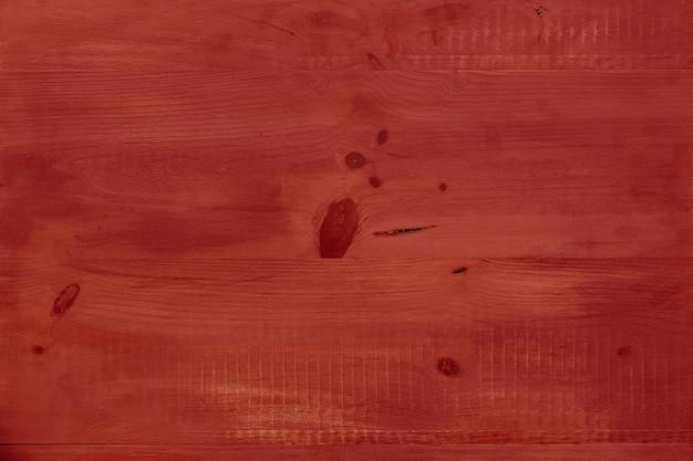 Ładny czerwony stół z drewna