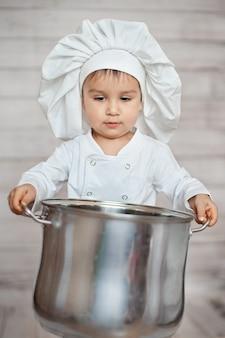Ładny mały kucharz