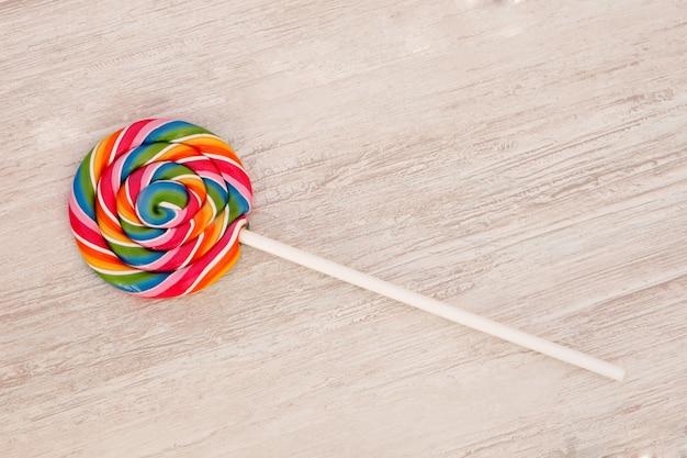 Ładny okrągły lollipop w wielu kolorach