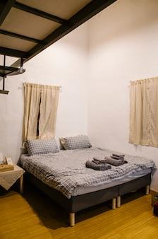 Ładny styl sypialni