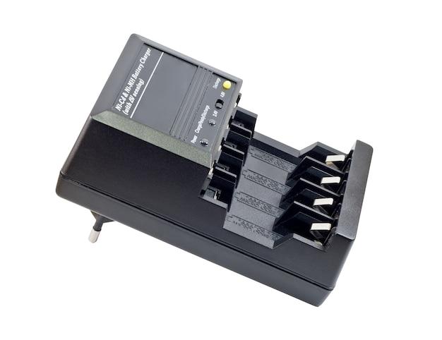 Ładowarka akumulatora na białym tle