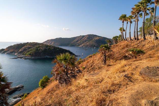 Laem promthep peleryna, piękne krajobrazy morza andamańskiego w sezonie letnim