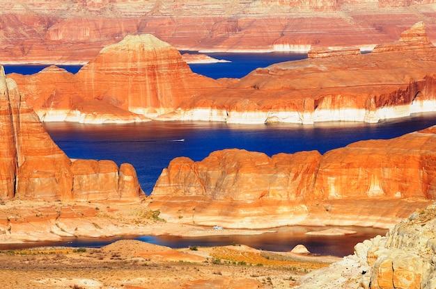 Lake powell i glen canyon, arizona i utah, usa