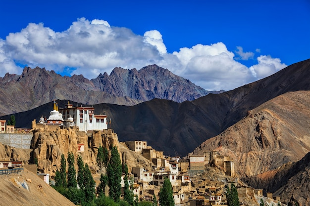 Lamayuru gompa buddyjski tybetański klasztor, ladakh