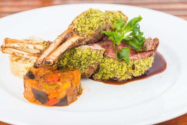 Lamb stek z grilla