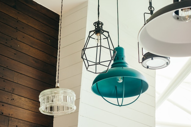 Lampa sufitowa w stylu vintage