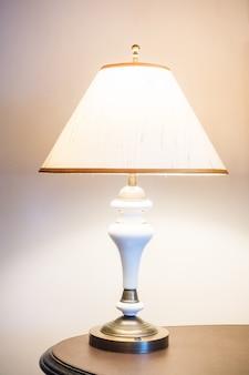 Lampka nocna odcień ściany poduszki