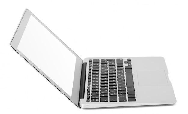 Laptop odizolowywający na bielu