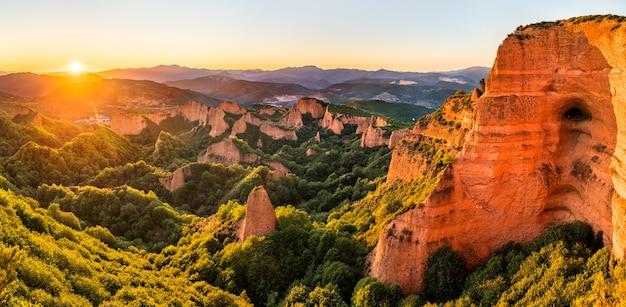 Las medulas, rzymska kopalnia złota. światowe dziedzictwo unesco w kastylii i león, hiszpania