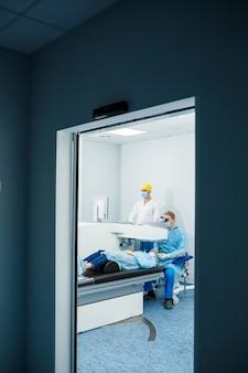 Laserowa korekcja wzroku. leczenie jaskry. technologie medyczne w chirurgii oka.