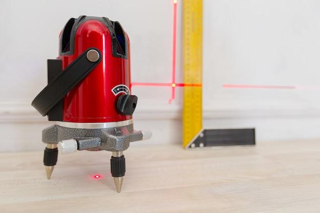 Laserowe narzędzie do pomiaru poziomu