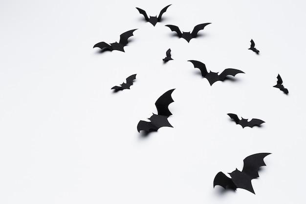 Latające nietoperze z papieru