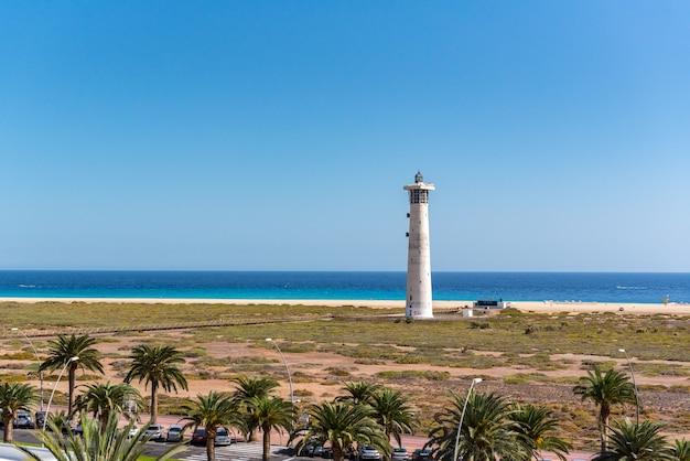Latarnia morska na wyspie fuerteventura schwytana w hiszpanii