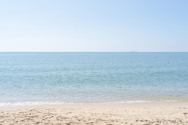 Lato na tle plaży