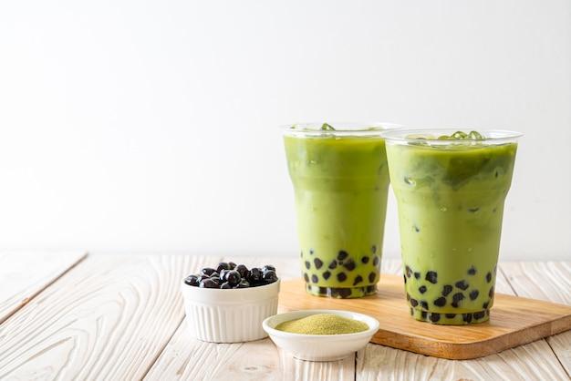 Latte zielona herbata z bańki
